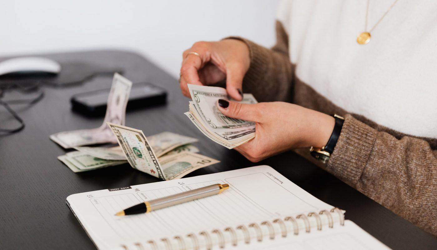 argent mains femme